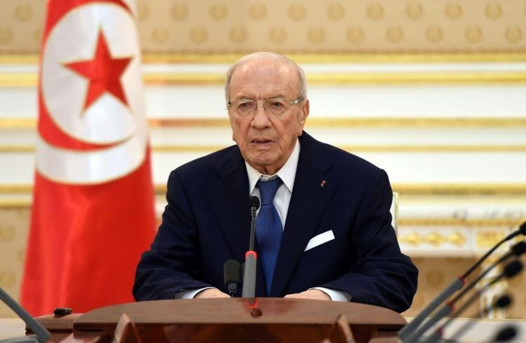Tunisie: Béji Caïd Essebsi décide de prolonger l'état d'urgence
