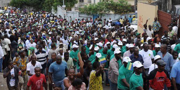 une manifestation de travailleurs emp ch e au gabon ce 1er mai afrique7 l info du continent. Black Bedroom Furniture Sets. Home Design Ideas