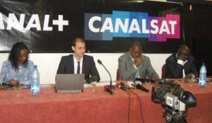 Le-directeur-Gabon-Canal-Afrique-Alexandre-Cohen-et-ses-partenaires-la-boutique-Satellite-Satelis-et-Sogadiph