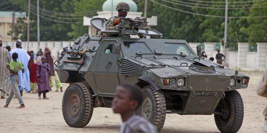 un-soldat-a-maiduguri-nigeria-a-180-km