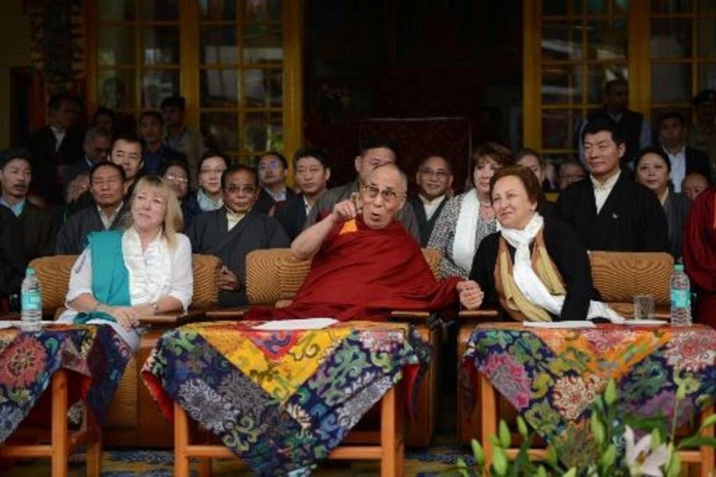 Afrique-du-Sud-le-dalai-lama-sans-visa-le-sommet-des-Nobel-de-la-paix