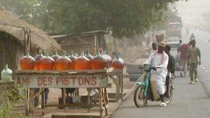 Essence_frelate_Benin
